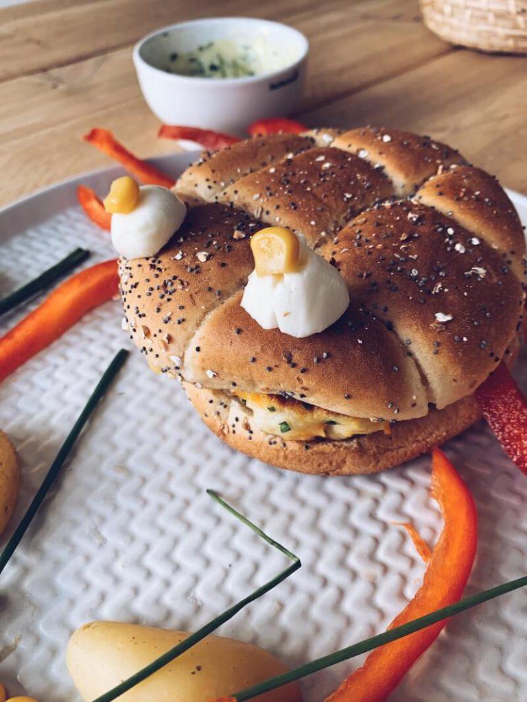 1FFF37FF 678F 4B00 8E4B 06FD36408B9D 768x1024 - De FiskeKrab : maak zelf een heerlijke visburger
