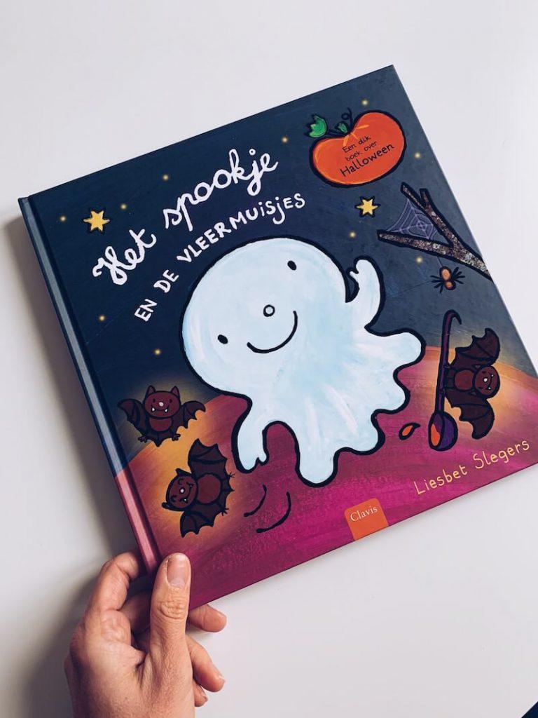 04A5E5B2 0563 494C 8650 B201852FA3DC 768x1024 - De leukste Halloween kinderboeken en prentenboeken