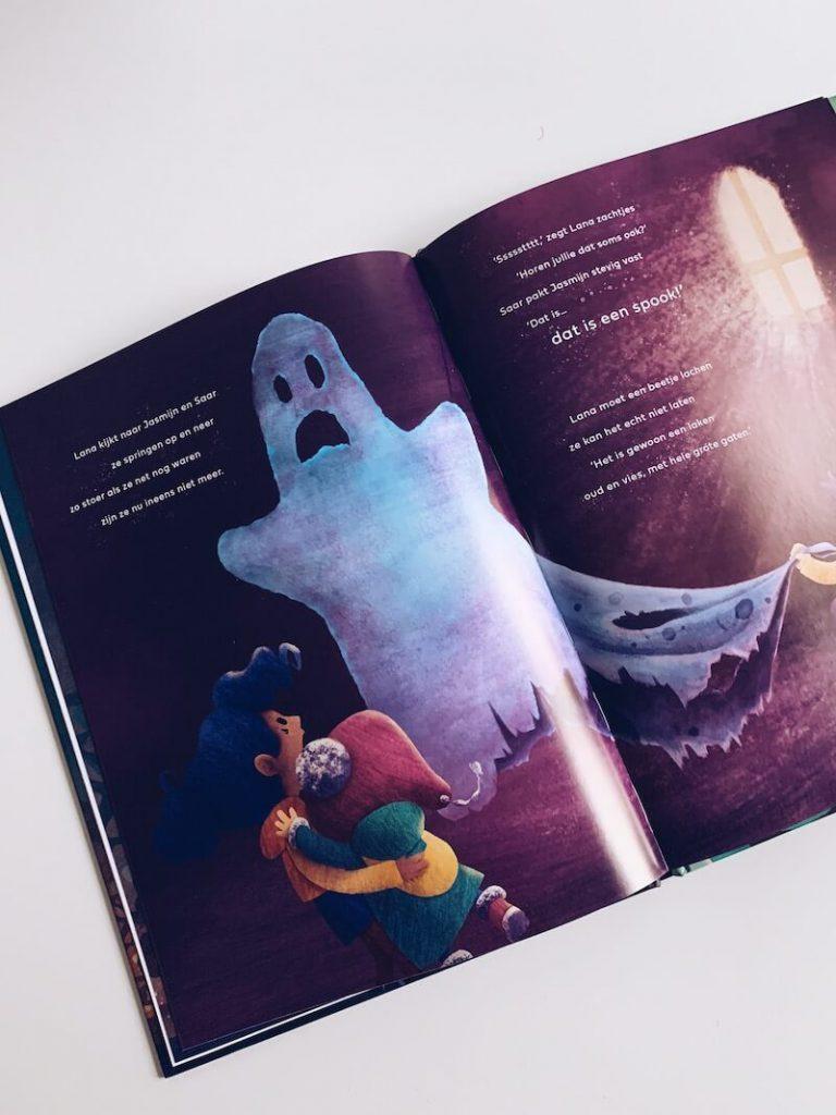 28916EEC 237A 4ED4 BC7D 0C6103DF688A 768x1024 - De leukste Halloween kinderboeken en prentenboeken