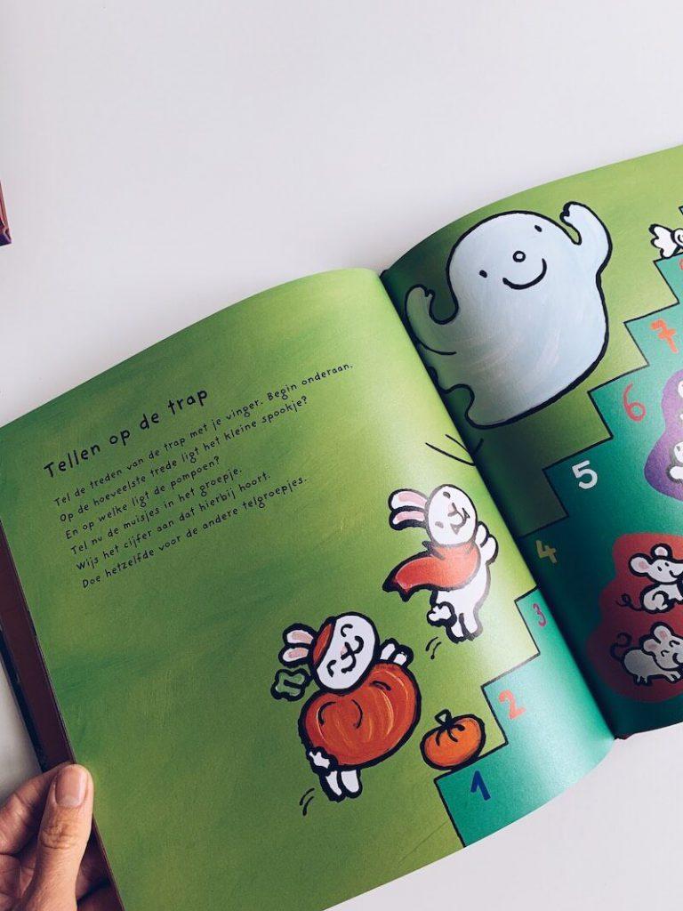 5367D9D8 B211 4B22 9F18 41CEB4084083 768x1024 - De leukste Halloween kinderboeken en prentenboeken