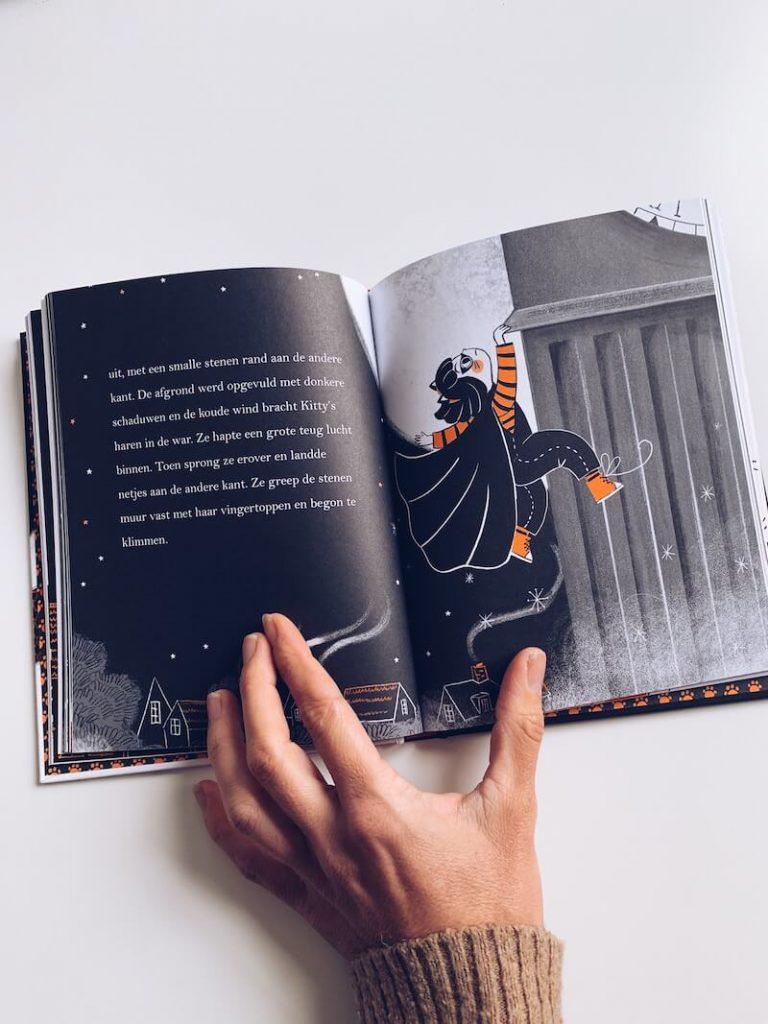 78ED441F 1329 40D5 9DC4 D6E9EADC68D2 768x1024 - De leukste Halloween kinderboeken en prentenboeken