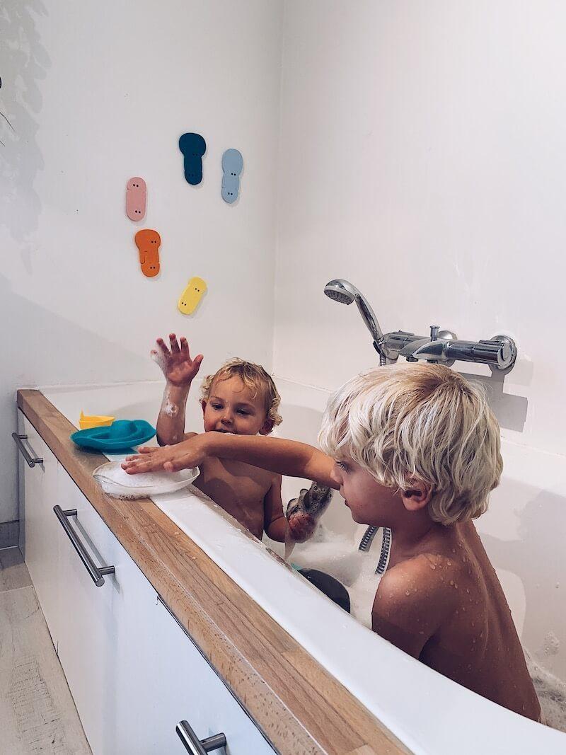 B1EE9384 C7BC 4B77 BE44 B736158D4BEF - Met deze activiteiten en badspeelgoed hebben je kids een super badtijd!