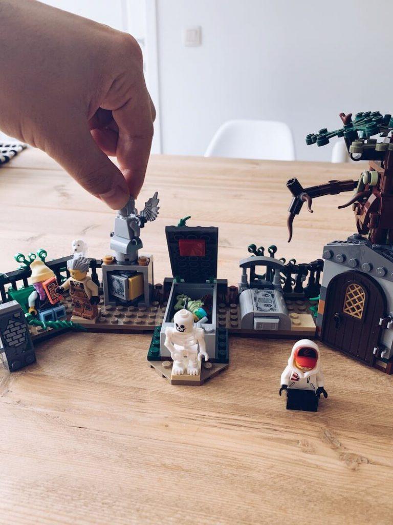 F06548FF 0ED0 40B5 A392 E9104FEDC2C2 768x1024 - Het grote ABC van LEGO speelwerelden. Ken jij ze allemaal? & WIN