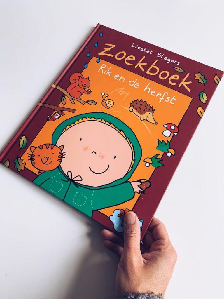 F15962C6 9BF5 4D65 8C92 09456A619E82 768x1024 - Leuke kinderboeken over de herfst voor grote en kleine kinderen