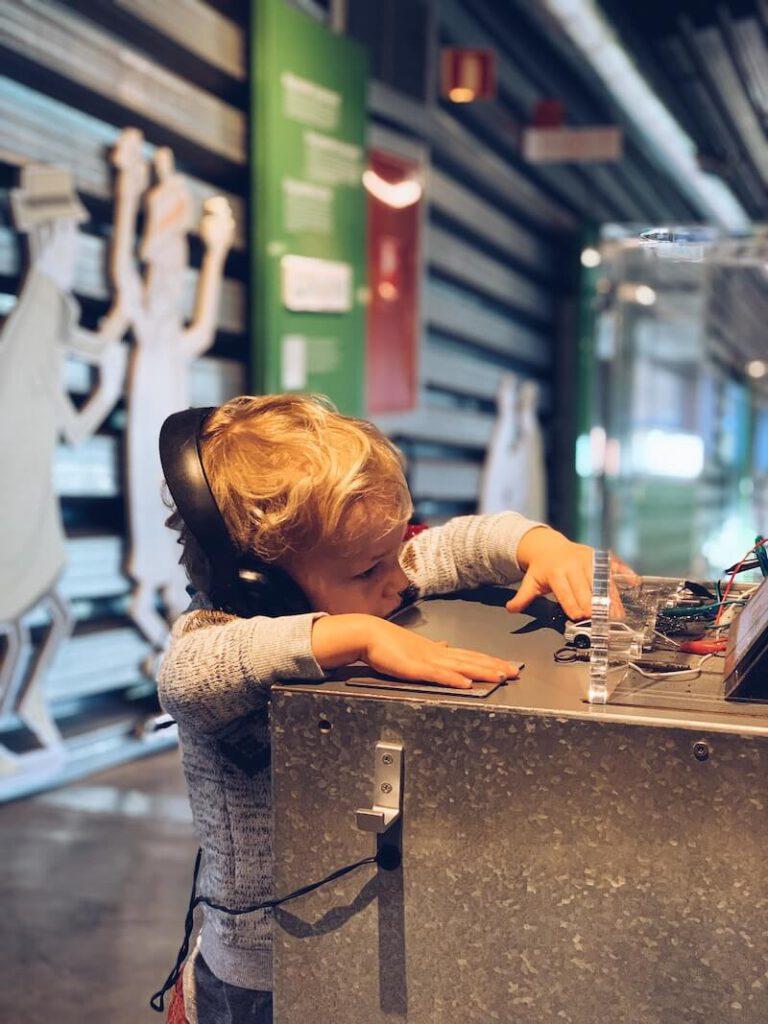 2030B1E8 E855 4484 9497 7A58AA126E1C 768x1024 - Natuurwetenschappen voor kinderen ? Leuke tips, boeken en ideetjes...