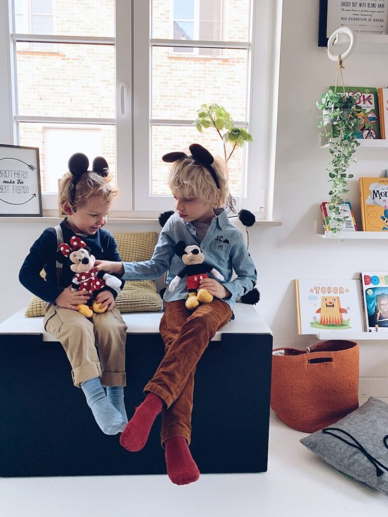 E2671A02 127E 4FCC B654 1990168F9943 768x1024 - Hoe hou je je kinderen enkele weken bezig? Enkele educatieve en ontspannende tips