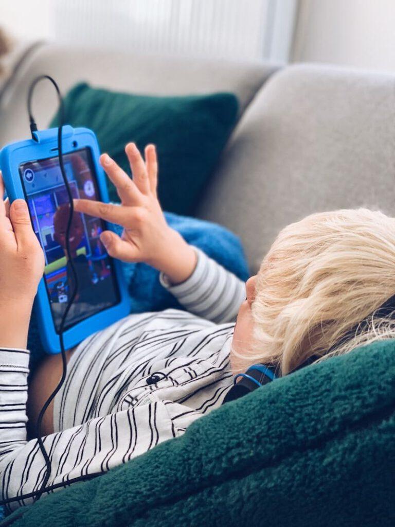 B6C5DF50 1C7A 4063 9C65 FD8898F280D7 768x1024 - Een goede tablet voor kinderen? Dan moet je een Kurio nemen...