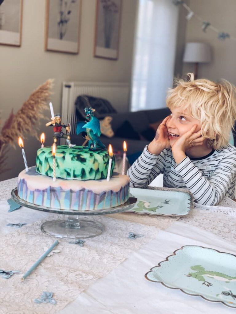 46D1325D 9458 4740 86F9 DC5B980071BE 768x1024 - Hoe wij Vince zijn 6e verjaardag vierden tijdens de Corona crisis