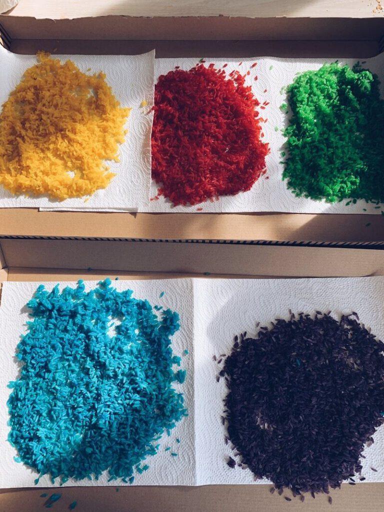 F278C7CA B543 45EA A815 1FFFC9E81FAE 768x1024 - Gekleurde pasta en rijst maken en er leuke activiteiten mee doen! Makkie!