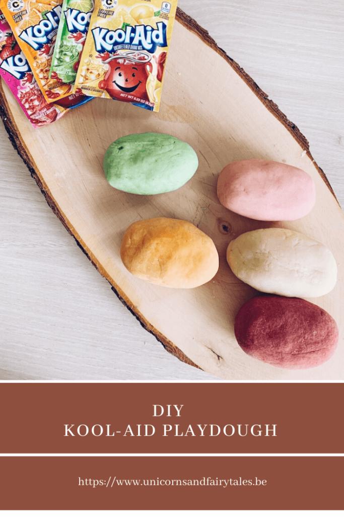 20x originele 13 683x1024 - Zelf heerlijk geurende en zachte Kool-Aid Playdough maken