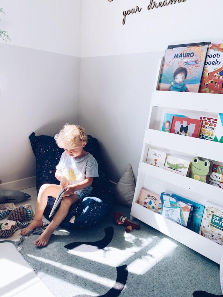 AB9FC13B 939E 41B9 8FB6 9A51F8875C4A F385F929 955D 49D7 895F 88A5B987BD61 768x1024 - Op een leuke manier educatief bezig zijn met je kinderen tijdens de zomer