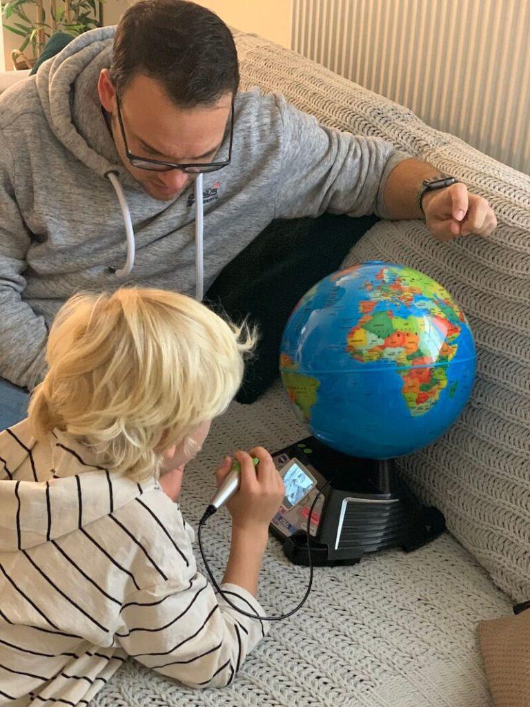 IMG 1462 768x1024 - Met deze interactieve wereldbol leren kinderen meer over de wereld