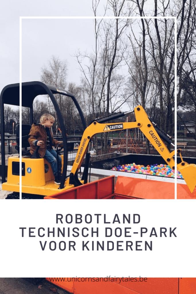 White and Black Recipes Pinterest Video Pin 10 2 683x1024 - Robotland, een technologiepark voor groot én klein