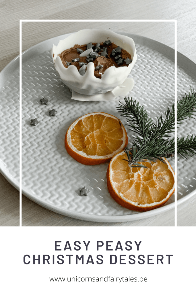 White and Black Recipes Pinterest Video Pin 3 683x1024 - Easy peasy Kerst dessert in enkele minuutjes!
