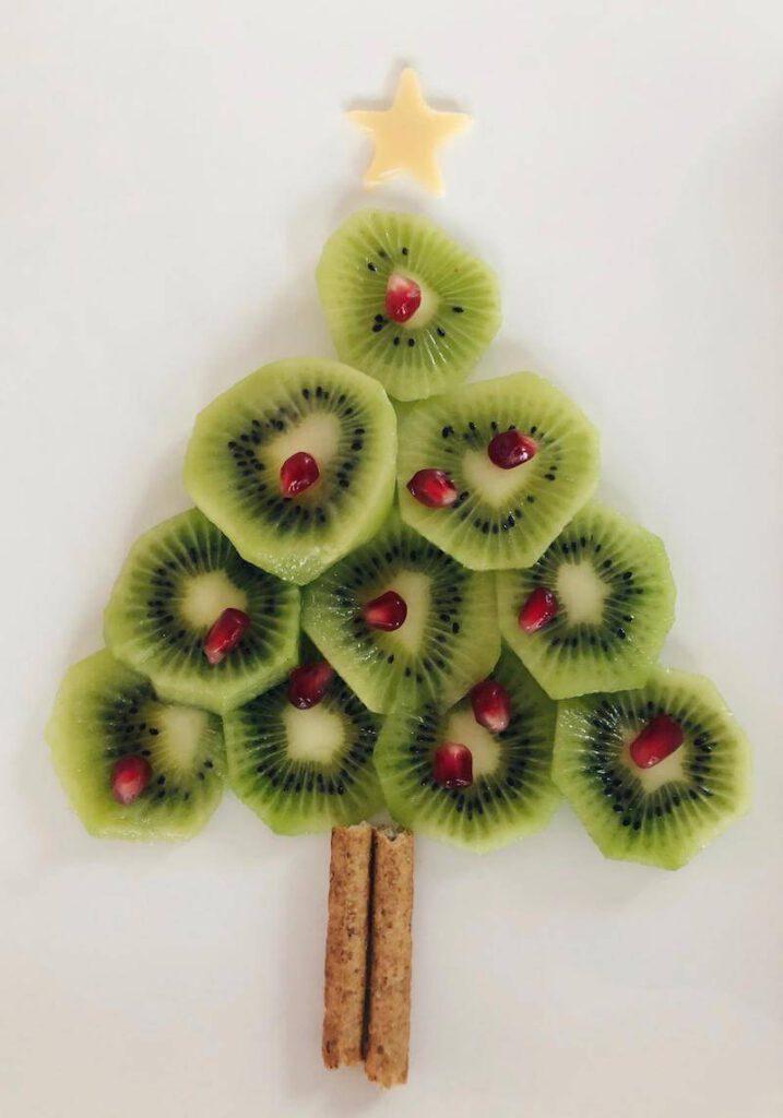 e13637c7 b408 45ea 9b59 9c1e7b6651fd 717x1024 - Leuke kidsproof kersthapjes & traktaties die je samen met kinderen kunt maken!