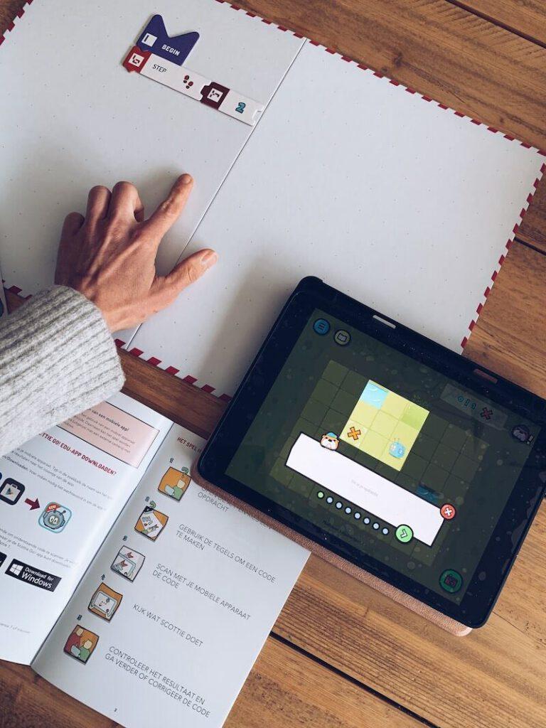 IMG 5594 768x1024 - Kinderen de stappen van het programmeren leren met Scottie Go & WIN