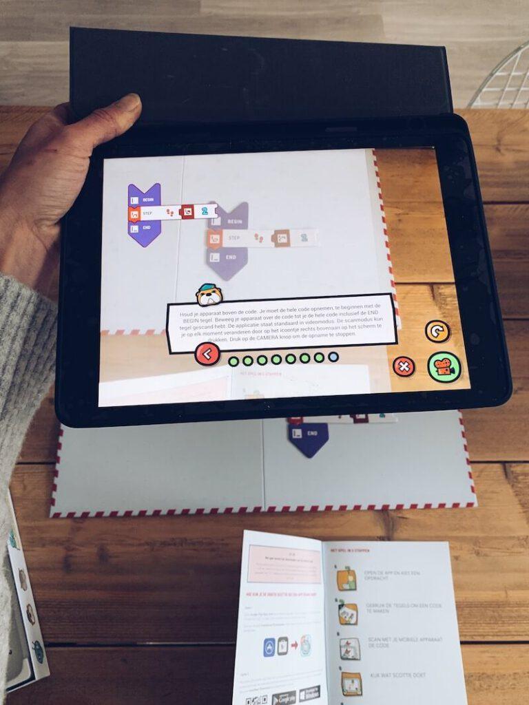 IMG 5595 768x1024 - Kinderen de stappen van het programmeren leren met Scottie Go & WIN