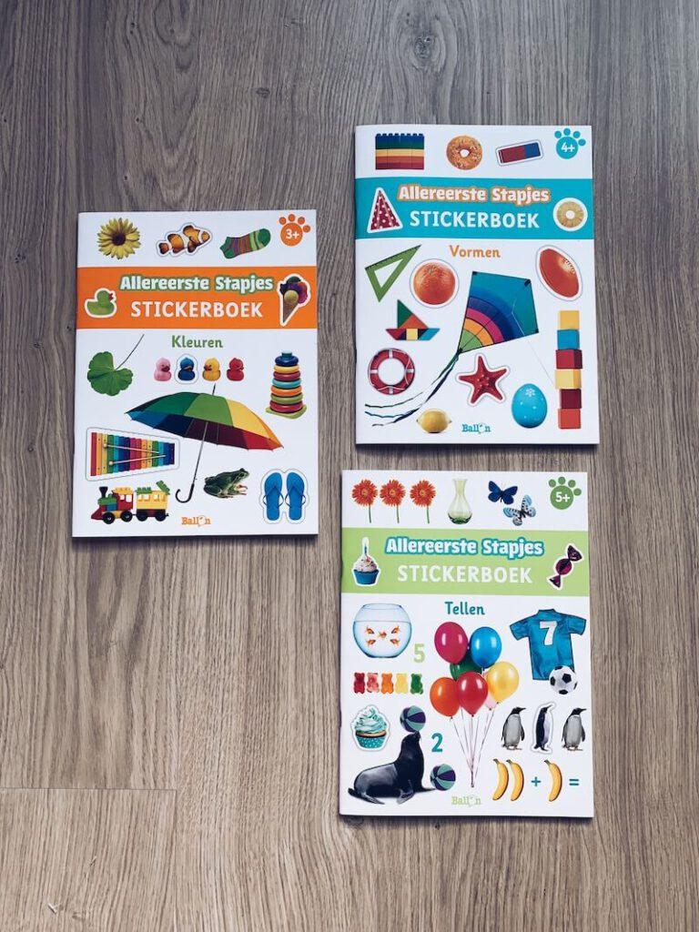 IMG 5675 768x1024 - Al spelend leren met deze stickerboeken en de 'ik denk' boeken