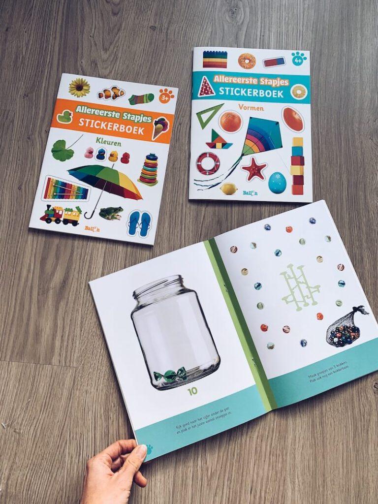 IMG 5676 768x1024 - Al spelend leren met deze stickerboeken en de 'ik denk' boeken