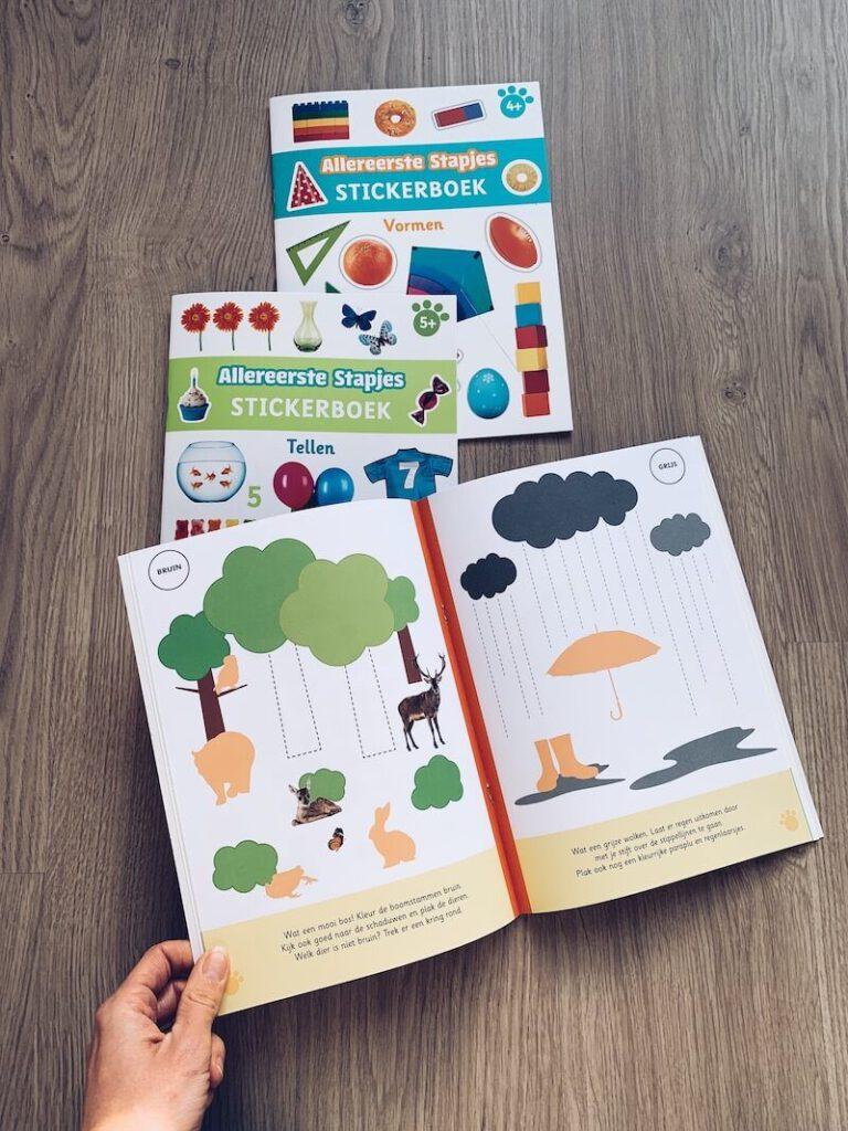 IMG 5677 768x1024 - Al spelend leren met deze stickerboeken en de 'ik denk' boeken