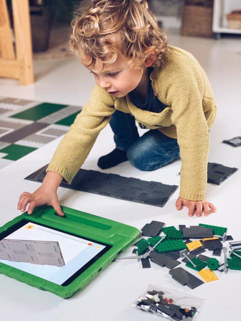 FullSizeRender 20 768x1024 - Waarom Lego heel educatief is en wij fan zijn!