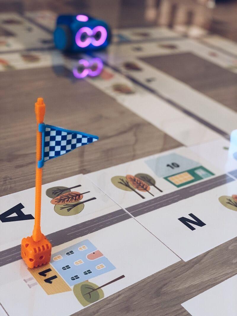 FullSizeRender 29 - Letters, cijfers en kleuren oefenen met de Bee-Bot + gratis printable!!!