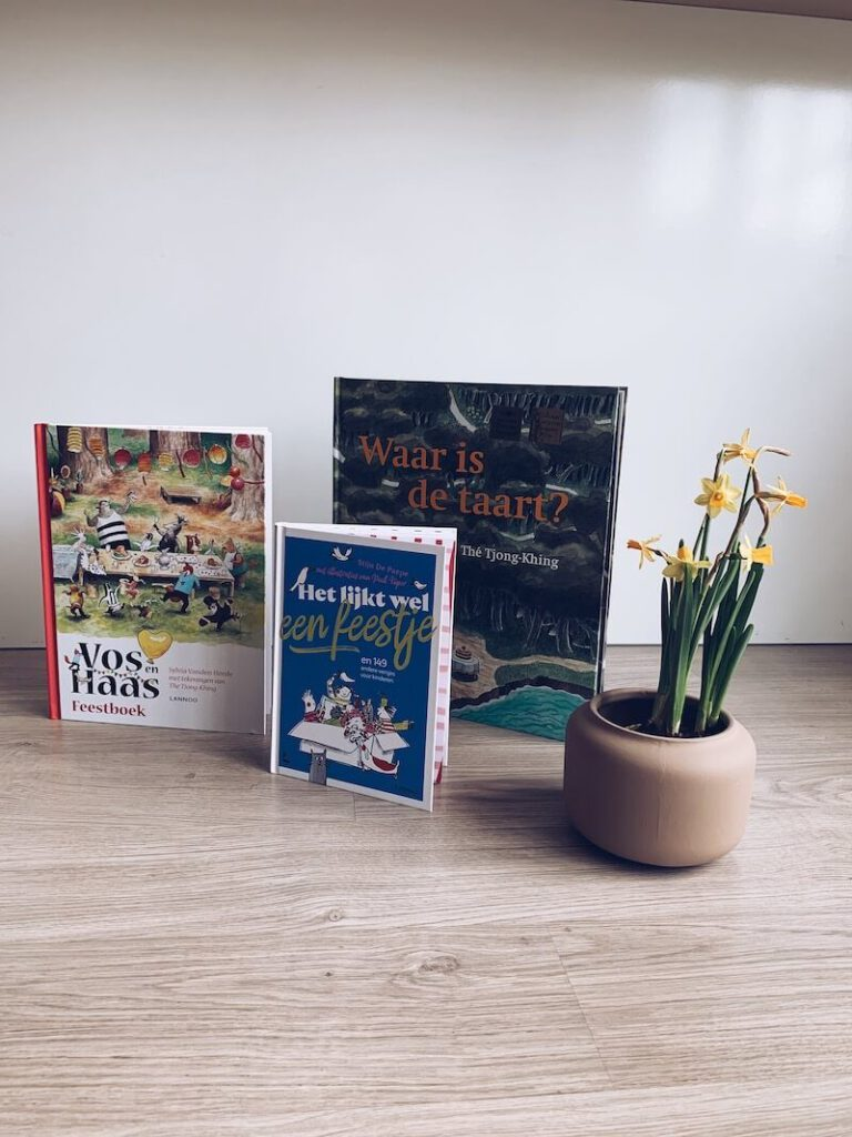 photo 5 2 768x1024 - Vier de jeugdboekenmaand met deze 3 geweldige FEESTboeken & WIN