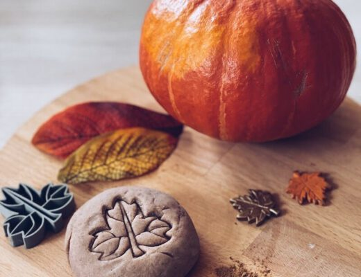 pumpkin spice playdough - unicorns & fairytales